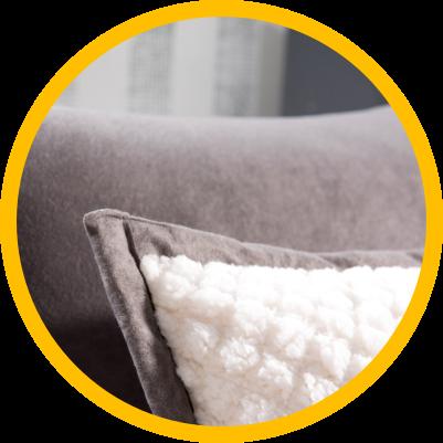 Dekoracyjna poduszka z przyjemnego materiału